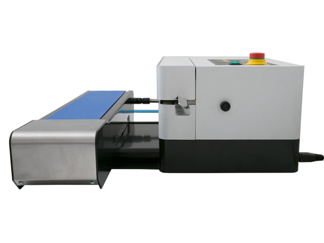 """D545 Adjustable conveyor can be pulled out up to 2.75"""" for larger packages"""